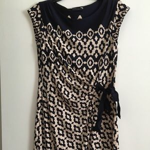 Just Taylor Dress Size L